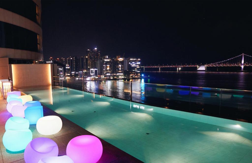 Отель  Hotel Aqua Palace  - отзывы Booking