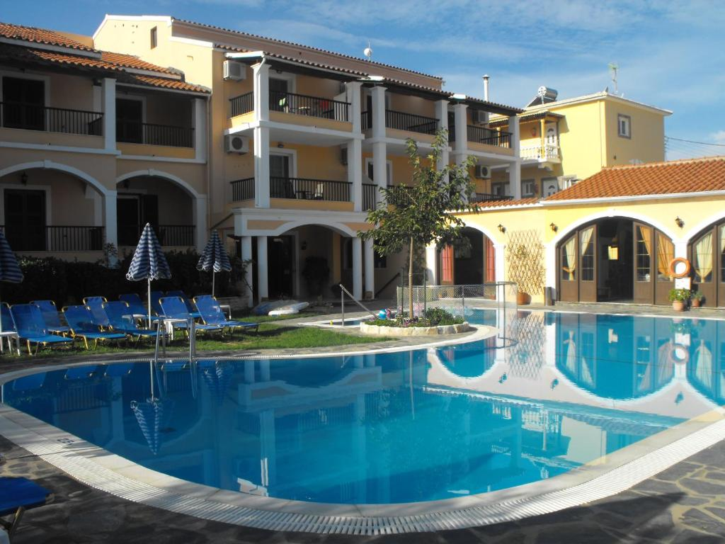 Отель Perros Hotel - отзывы Booking
