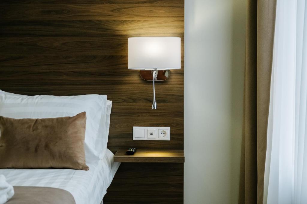 Отель  Адажио на Исаакиевской площади   - отзывы Booking