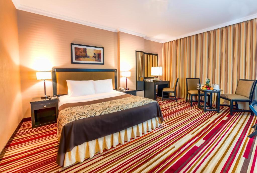 Апарт-отель  Executive Suites By Mourouj Gloria