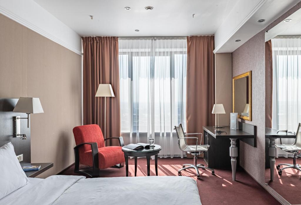 Отель  Отель  Park Inn By Radisson Izhevsk Hotel