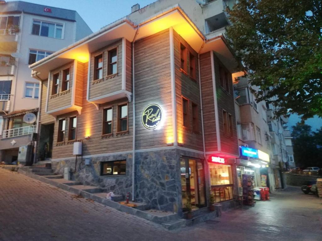 Отель  Rumeli Konak Butik Otel  - отзывы Booking