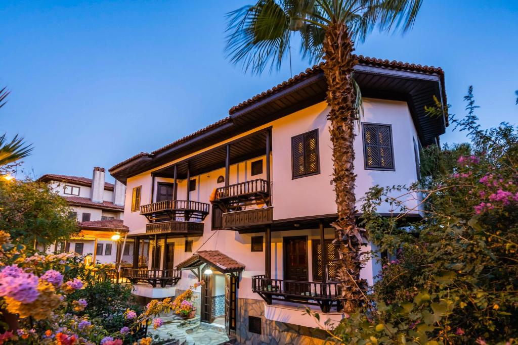 Апартаменты/квартиры Liya Boutique Hotel & Suites - отзывы Booking