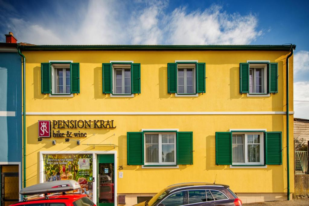 Отель типа «постель и завтрак»  Pension Kral  - отзывы Booking