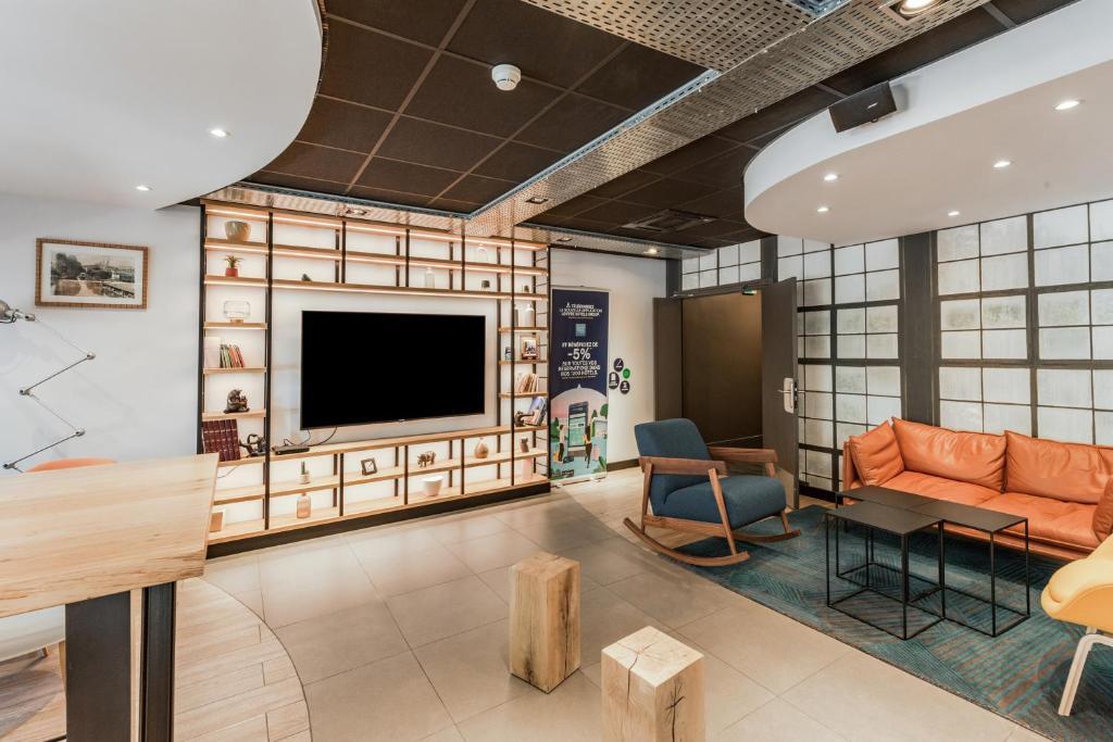 Отель  Campanile Chartres Centre - Gare - Cathédrale  - отзывы Booking