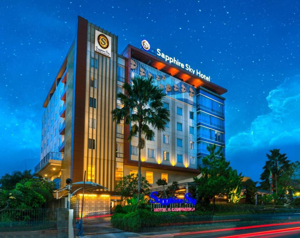 Отель  Sapphire Sky Hotel & Conference  - отзывы Booking
