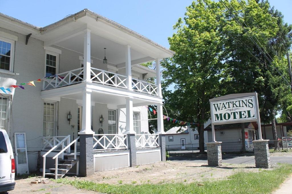 Мотель  Watkins Motel  - отзывы Booking