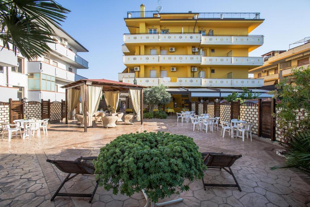 Отель  Nelson Hotel  - отзывы Booking