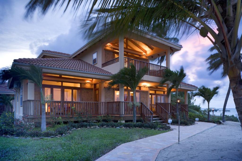 Курортный отель  Курортный отель  Belizean Dreams Resort