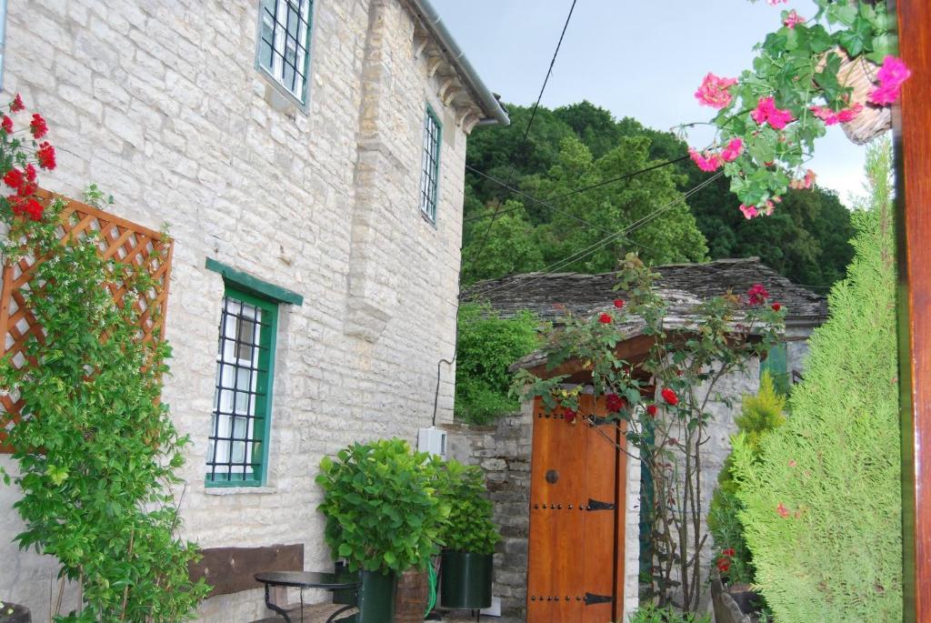 Гостевой дом  Tritoxo Guesthouse  - отзывы Booking