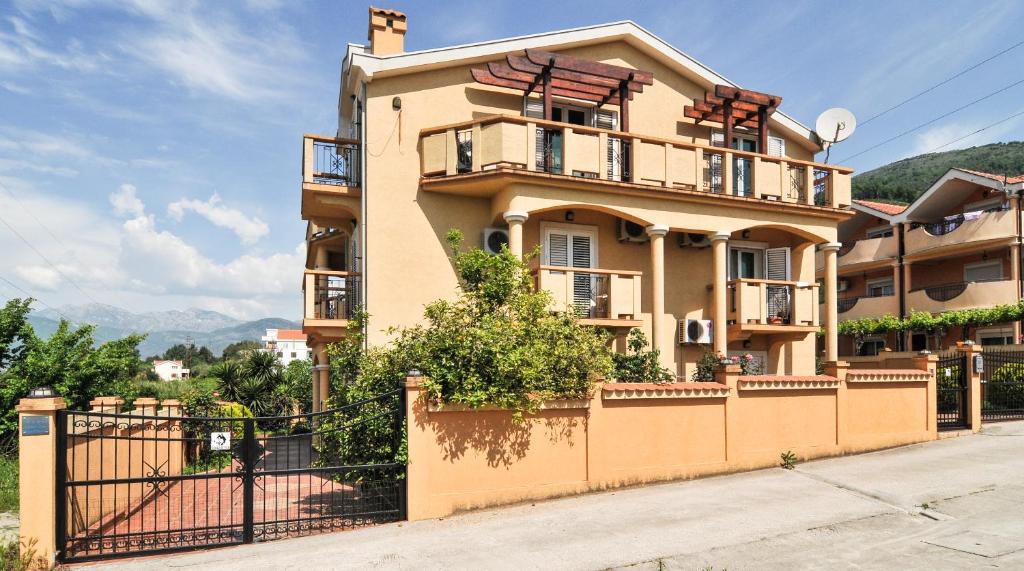 Апартаменты/квартиры  Apartments Zeljko Vuksanovic  - отзывы Booking
