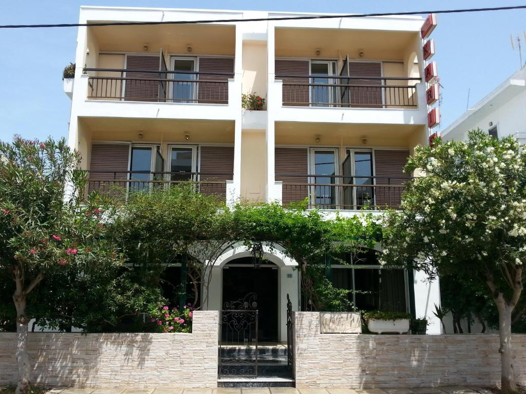 Отель  Karis Hotel  - отзывы Booking