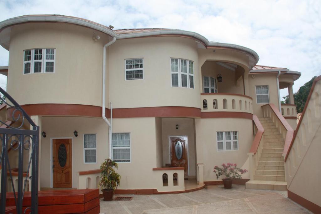 Апарт-отель Valley Breeze Guest House