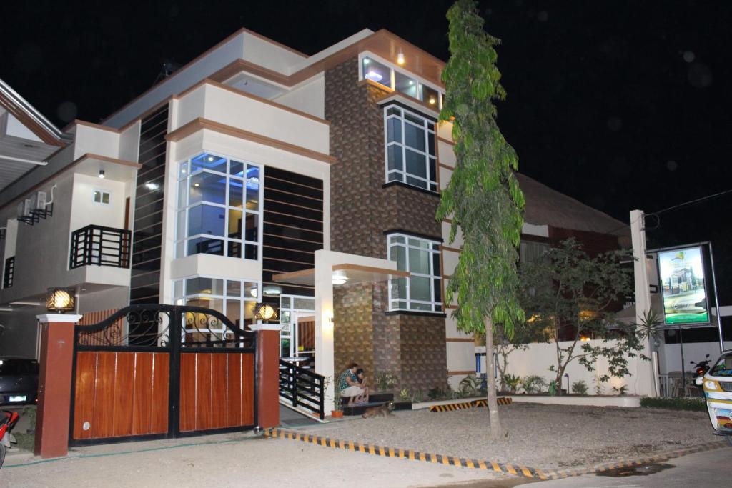 Мини-гостиница  Citrine Tourist Travel Lodge  - отзывы Booking