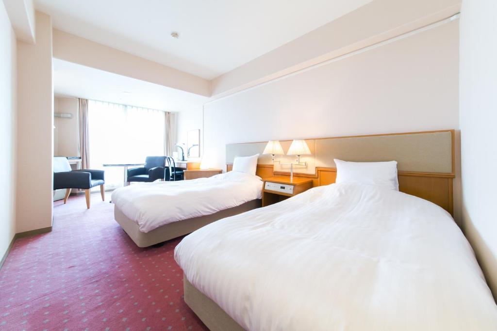 Отель  Hotel Crystal Palace  - отзывы Booking