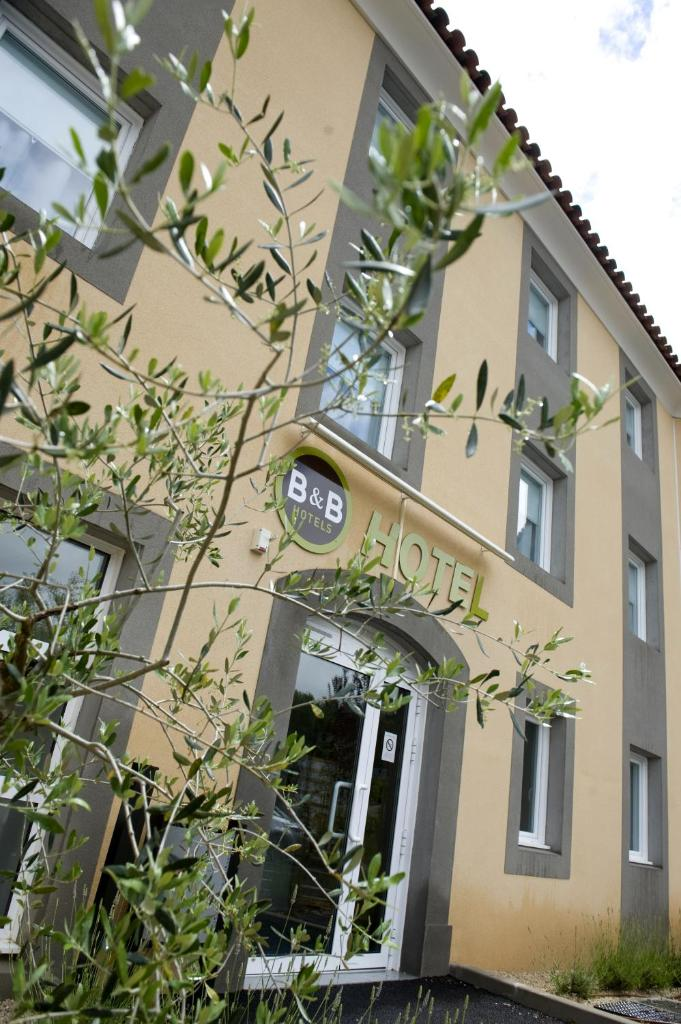 Отель B&B Hôtel Aix-en-Provence Le Tholonet - отзывы Booking