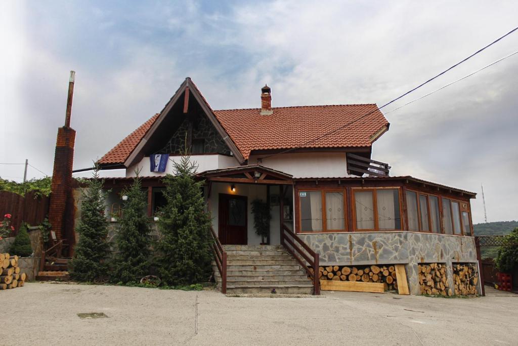 Отель  Отель  Pensiunea Taverna Bucium