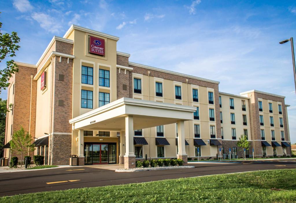 Отель  Comfort Suites Hartville-North Canton  - отзывы Booking