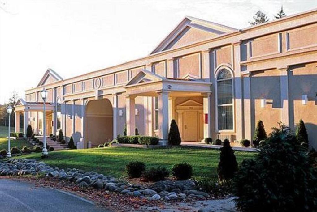 Курортный отель Pocono Palace Resort