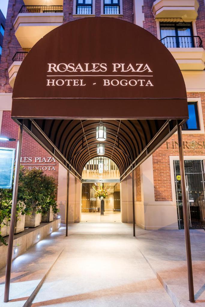 Отель  Отель  Hotel Rosales Plaza