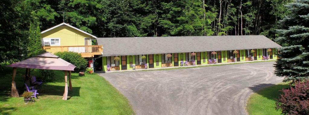 Мотель  Starlite Motel & Suites  - отзывы Booking