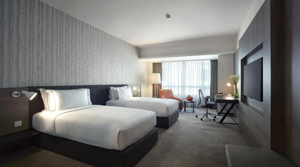 Отель Отель G Hotel Gurney