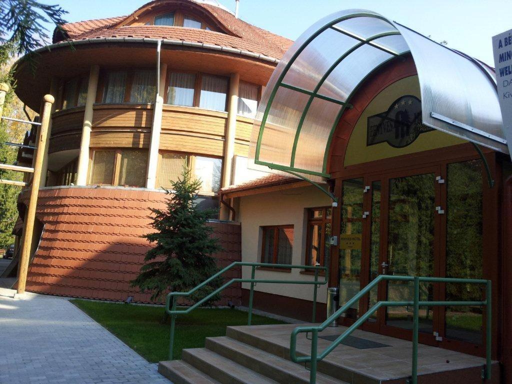 Отель  Fenyves Wellness Hotel Békéscsaba  - отзывы Booking