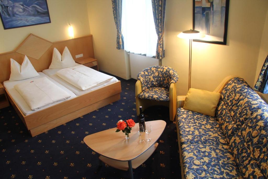 Отель  Hotel Bayrischer Hof  - отзывы Booking