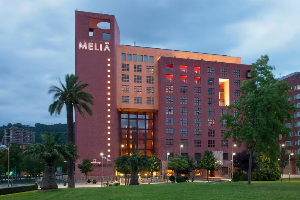 Отель  Отель  Hotel Meliá Bilbao