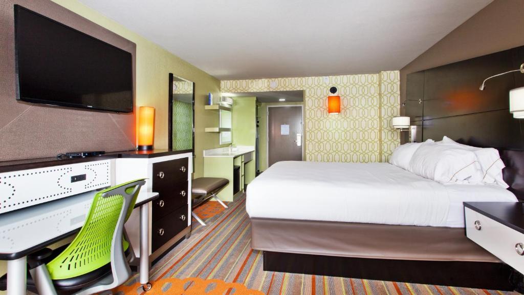 Отель  Отель  Holiday Inn Express Atlanta NW - Galleria Area, An IHG Hotel