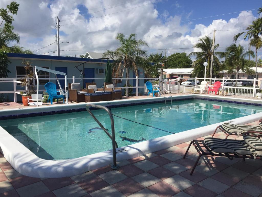 Мотель  Мотель  Dolphin Harbor Inn