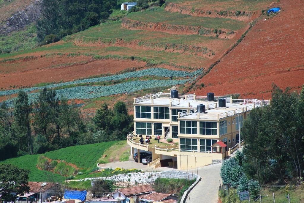 Фото  Курортный отель  Tulips Valley View Resorts