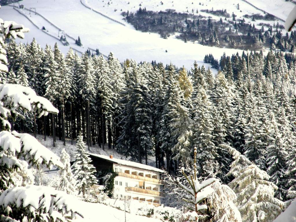 Отель  Hotel Garni Gästehaus Karin