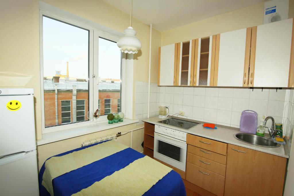 Апартаменты/квартира Apartments on Lomonosova 10 - отзывы Booking