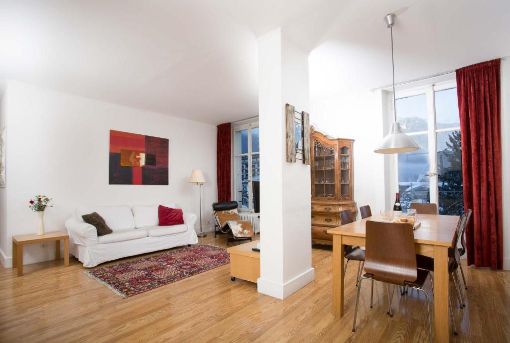 Апартаменты/квартира  Mont Blanc 98 Apartment - Chamonix All Year  - отзывы Booking
