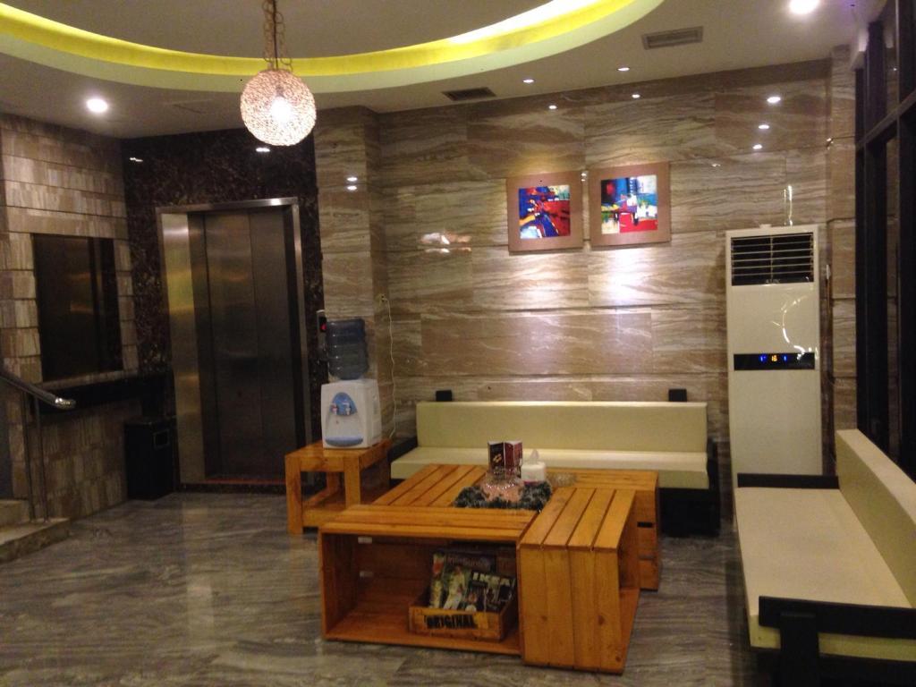 Отель  Mustika Gajah Mada Hotel  - отзывы Booking