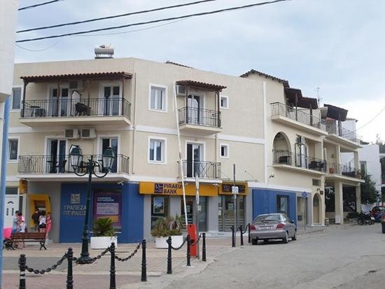 Отель Karafelas Hotel