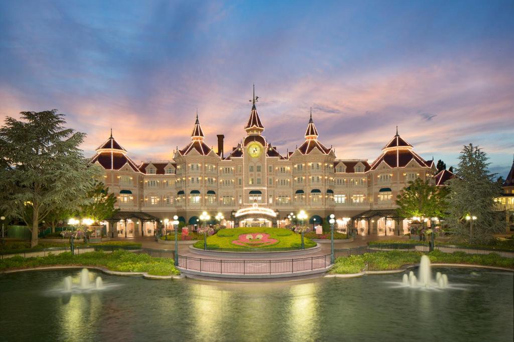 Отель Disneyland® Hotel - отзывы Booking
