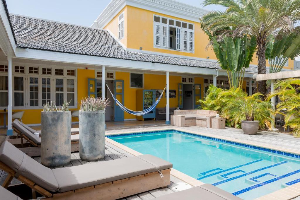 Het zwembad bij of vlak bij Boutique Hotel 't Klooster