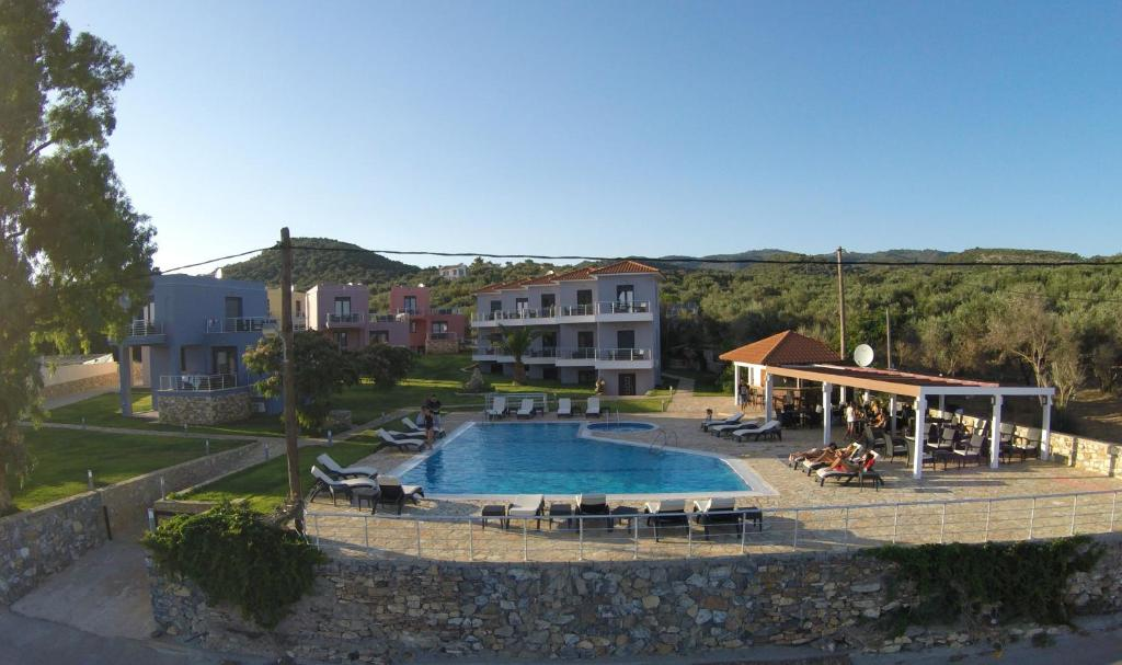 The swimming pool at or close to Blue Waves