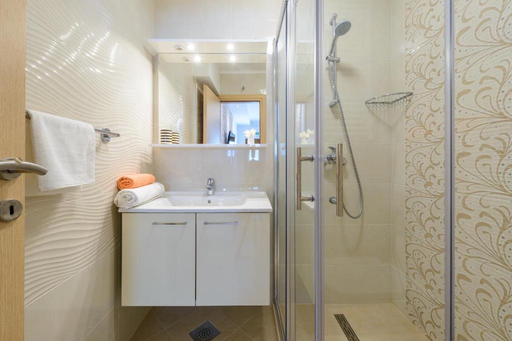 A bathroom at Villa Ive