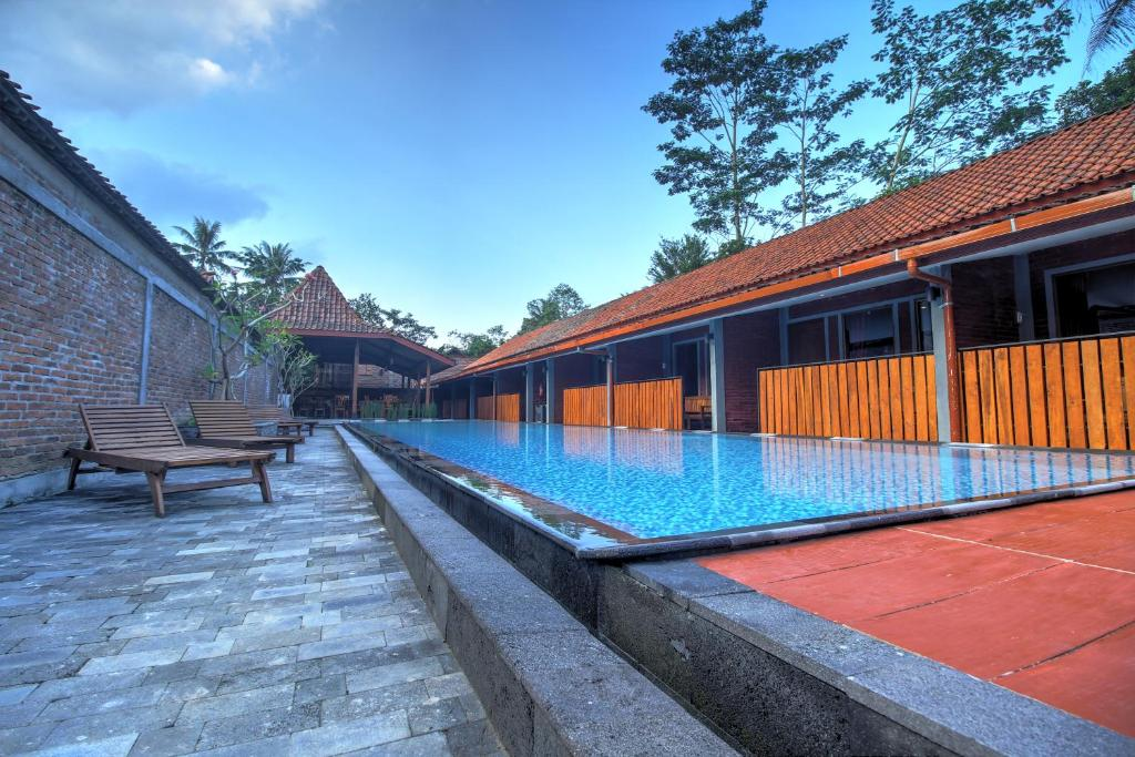 The swimming pool at or near Wahid Borobudur