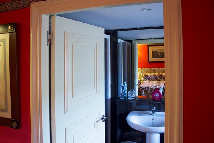 A bathroom at Hotel la Fundacion