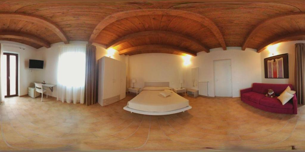 Ein Sitzbereich in der Unterkunft Sotto il Castello