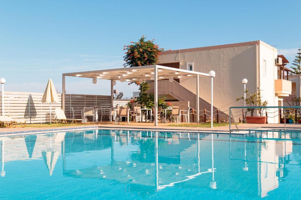 Πισίνα στο ή κοντά στο Evdokia Αpartments & Dimitra Village