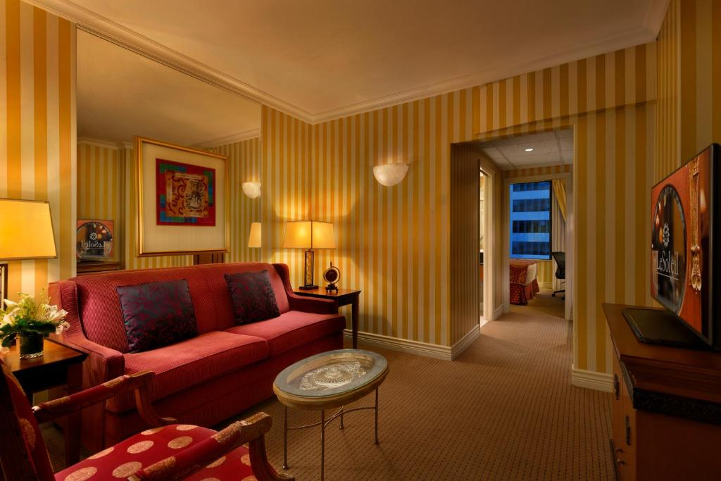 Hotel Le Soleil By Executive Hotels Vancouver Updated 2021 Prices