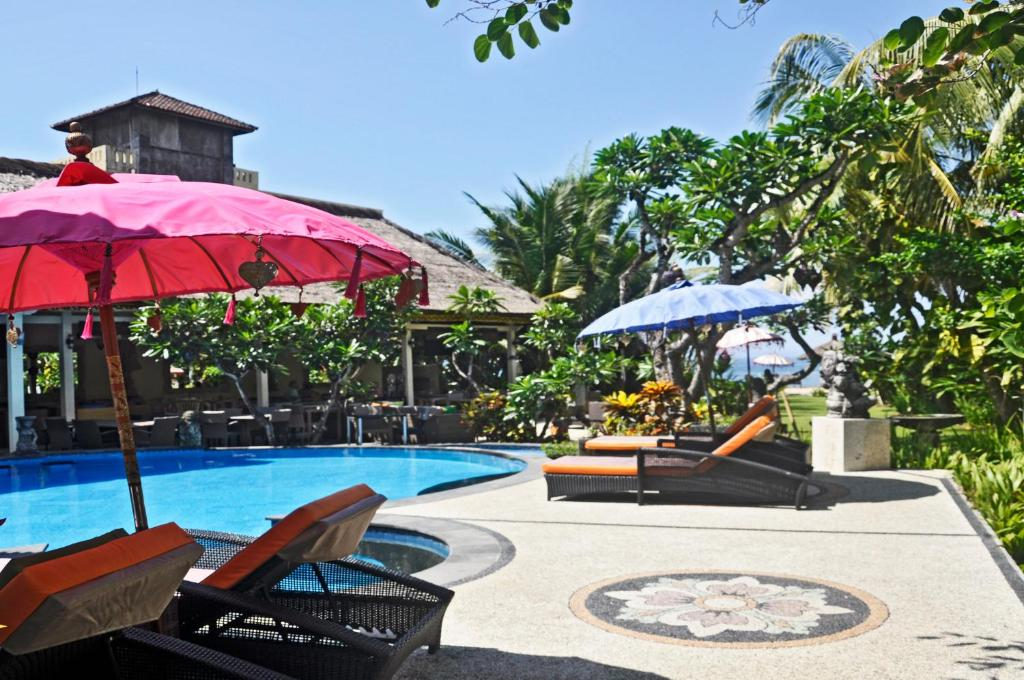 The swimming pool at or near Bayside Bungalows