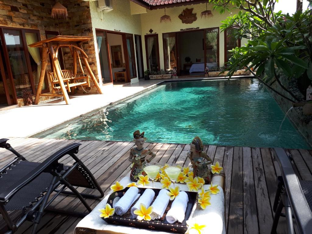 The swimming pool at or close to Beautiful Villa in Batam