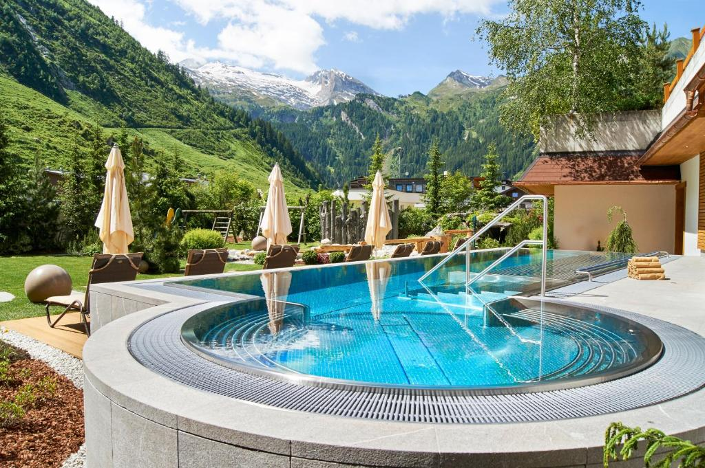 The swimming pool at or near Hotel Alpenhof
