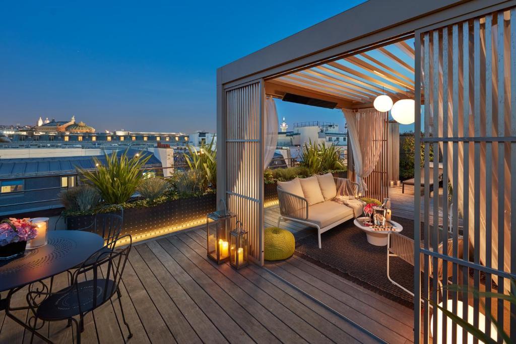 Een balkon of terras bij Mandarin Oriental, Paris
